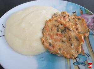 Karfiolové rezne so zemiakovo-karfiolovou kašou