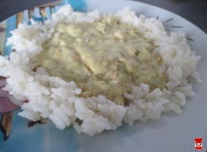 Kuracie karí s jablkami a ryžou