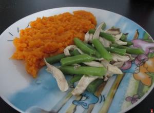 Kuracie so strukovou fazuľkou a batatovým pyré
