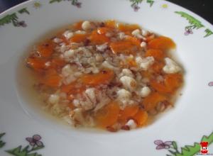 Mrkvovo-karfiolová polievka s pohánkou