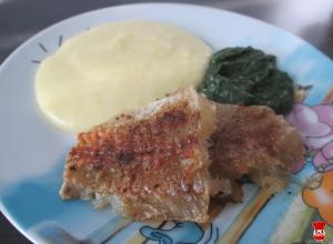Treska na kmíne, dusený špenát a zemiaková kaša