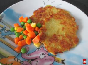 Zemiakové placky s dusenou zeleninou