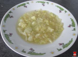 Kelová polievka so zemiakom