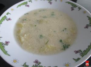 Zemiaková polievka s vajíčkovou krupicou