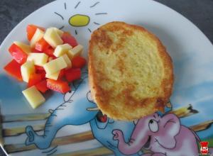 Sendvič vo vajíčku, syr a paprika