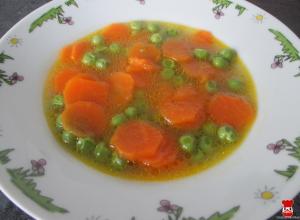 Mrkvovo-hrášková polievka