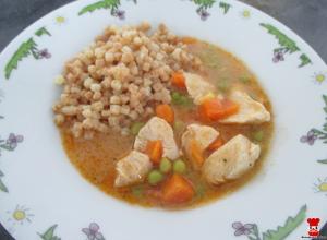 Kura na šťave so zeleninou a tarhoňou