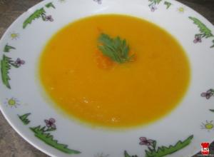 Krémová mrkvovo-cuketová polievka